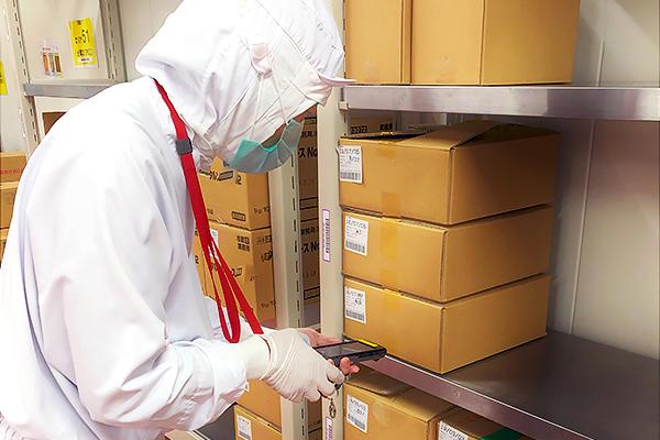 トオカツフーズ、業界に先駆けてフリーロケーション管理導入 食品製造倉庫内の材料管理を効率化【日立 ...