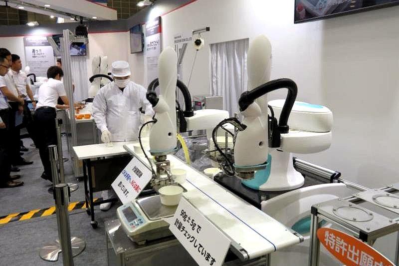 国内食品製造業、ロボ導入過半数 矢野経済研調べ