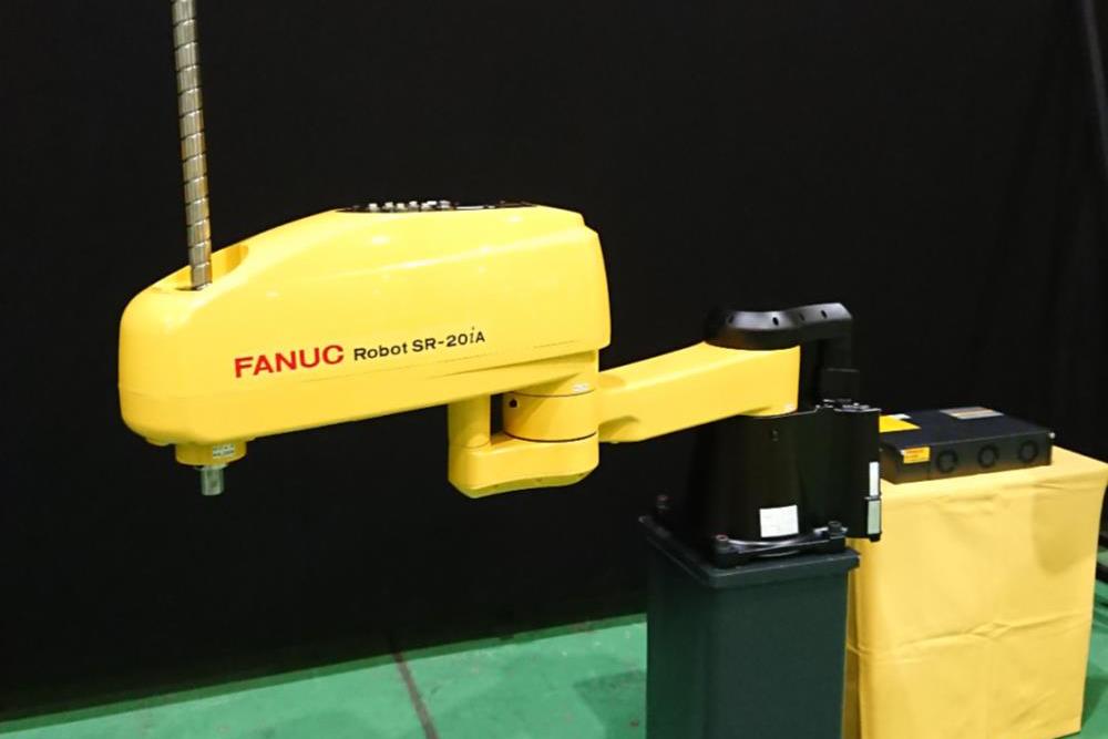 ファナック、可搬重量20kgのスカラロボ 来月出荷